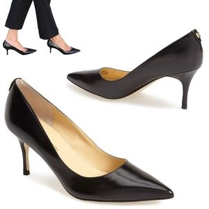IVANKA TRUMP 'Boni' Pump classic Black heels 7W